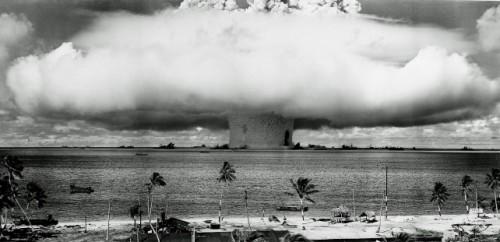 Primera bomba de Hidrógeno en Bikini, 1954