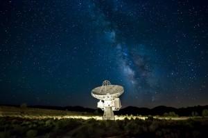 LOS EXTRATERRESTRES OCULTAN SUS PLANETAS A LOS TELESCOPIOS HUMANOS MEDIANTE EMISIÓN LÁSER CONTROLADA: ASTRÓNOMOS