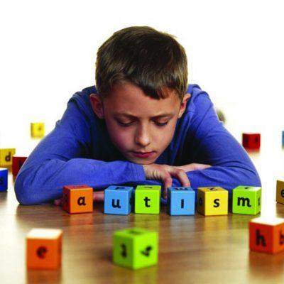sintomas autismo en bebes